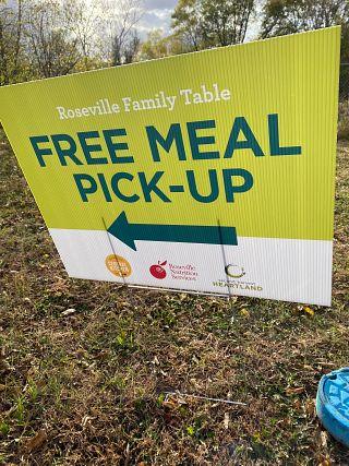 CBP-Roseville-Minnesota-free-meals-sign-2021.jpg